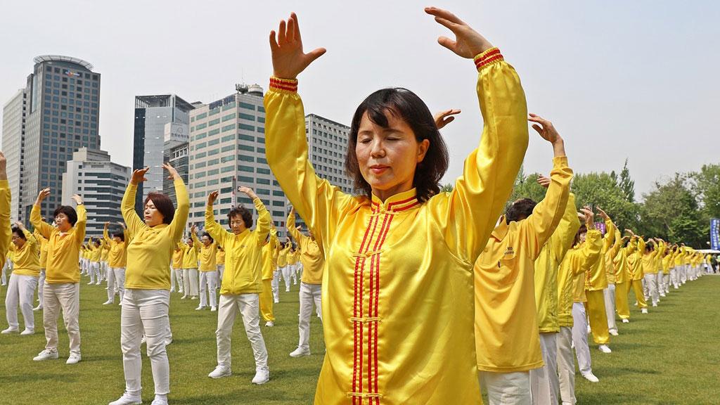【法轮功的20年】之二:从中国大陆走向国际