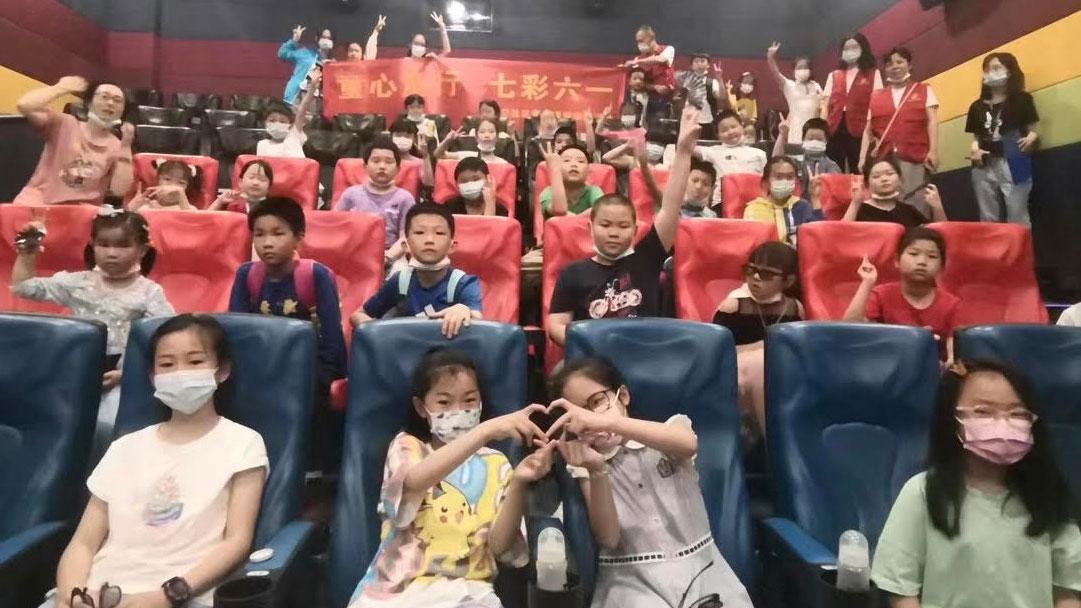 中国大部分民众无力抚养三个孩子。(志愿者提供/记者乔龙)