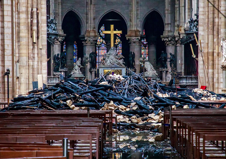 2019年4月15日傍晚,法國巴黎聖母院起火。這個世界聞名的歷史建築受到嚴重破壞。 (AFP)