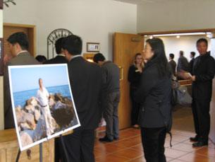图片:方励之告别仪式有近三百中外人士到场。(记者萧融拍摄)