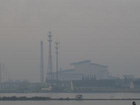 图片:吴江市平望垃圾焚化发电厂 (当地居民提供)