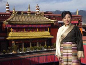 图片:藏族女诗人、作家唯色(唯色提供)