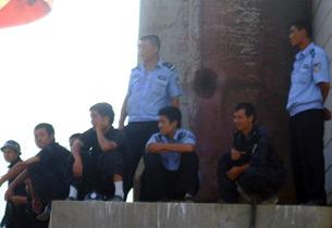 图片: 小三盘村民去年因阻止开发商施工,14日被抓。 (听众提供/记者乔龙)