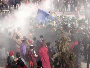 图片:10月23日的自焚事件后,军警与民众发生短暂对峙与冲突。(夏河境内受访人提供)