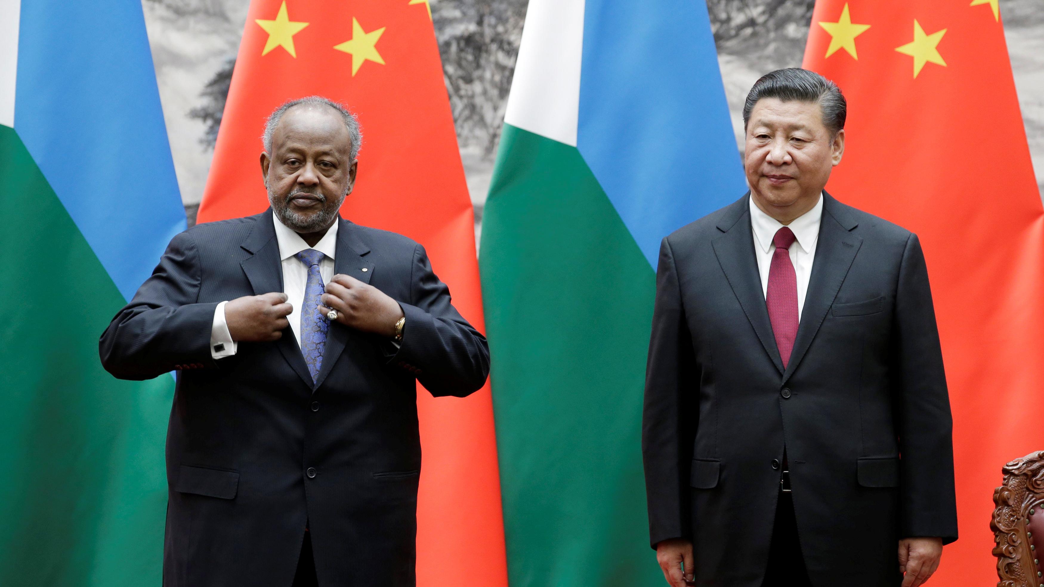习近平同来访的吉布提总统盖莱举行会谈,中国在吉布提设立了军事基地。(路透社)
