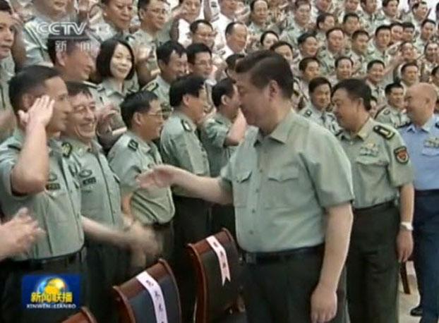 习近平前往福建驻军视察。 (视频截图 / CCTV)