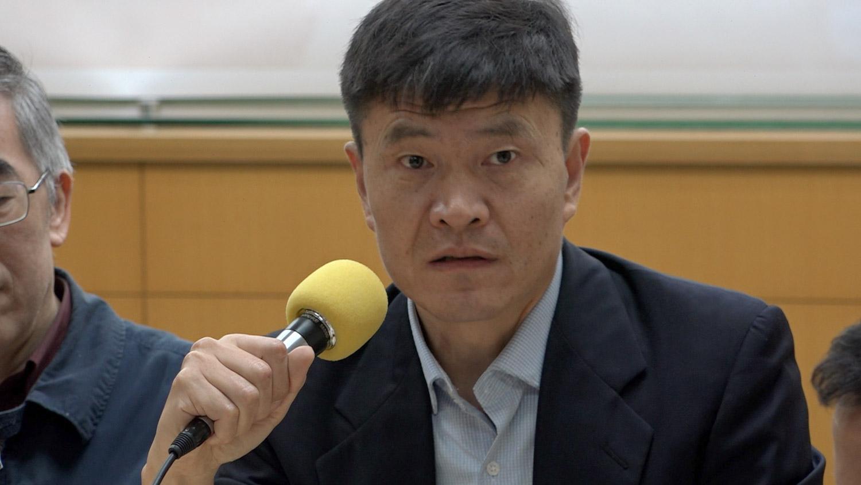 """美国人权组织""""人道中国""""创办人周锋锁(记者陈明忠摄)"""