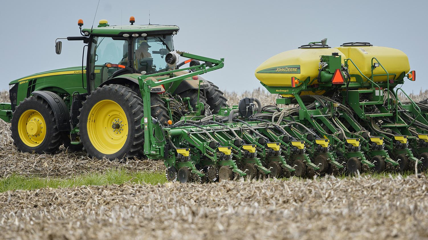 美国农民在播种大豆。(美联社)