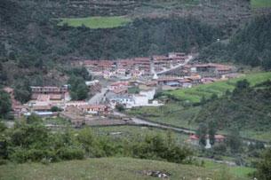 图片:格桑嘉自焚之地若尔盖县降扎乡全景。(受访人提供)