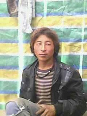 图片:11月27日在四川省阿坝州若尔盖县降扎乡自焚身亡的格桑嘉生前遗照。(受访人提供)