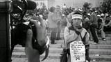 1989年5月16日,絕食指揮部在博物館前舉行記者招待會。(六四檔案圖)