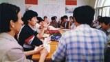1989年5月7日北京高校學生對話團在政法大學開會。5月3日對話團成立,團長項小吉,副團長沉彤。下設3個小組,1組負責討論此次學運,2組負責討論深化改革,3組討論憲法關於結社自由,言論自由,遊行示威自由的落實。(六四檔案圖)