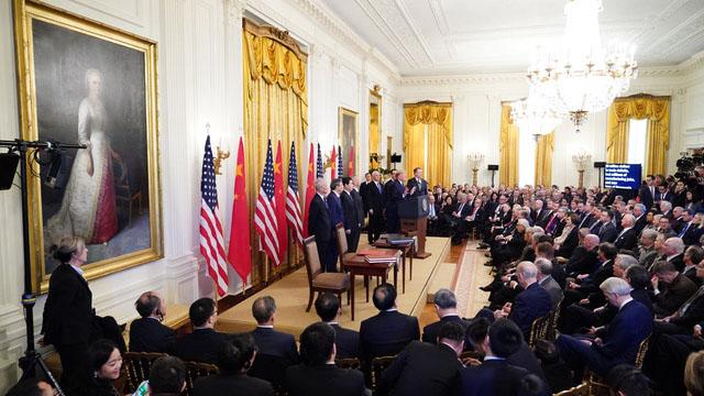 美中签署了第一阶段贸易协议,美国总统特朗普取得阶段性成果。(AFP)