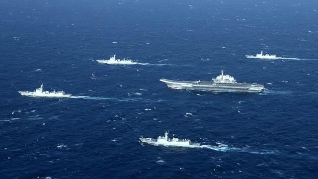 辽宁号航母近年频繁巡航南海,这张照片摄于2017年。(法新社)