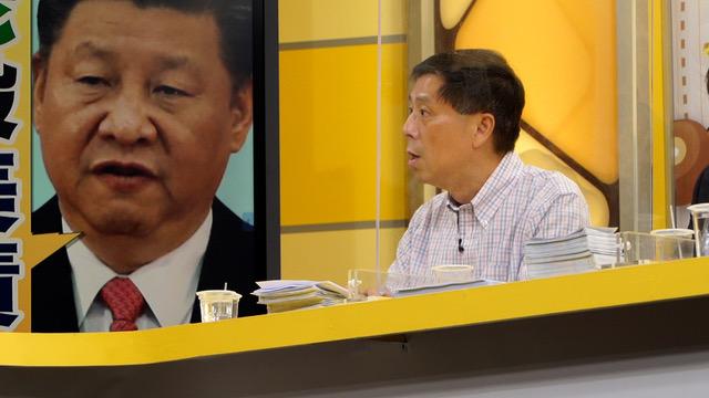 汪浩经常在电视政论节目评论美中关系和中国政情,图为汪浩在《年代向钱看》的节目现场。(李宗翰摄)