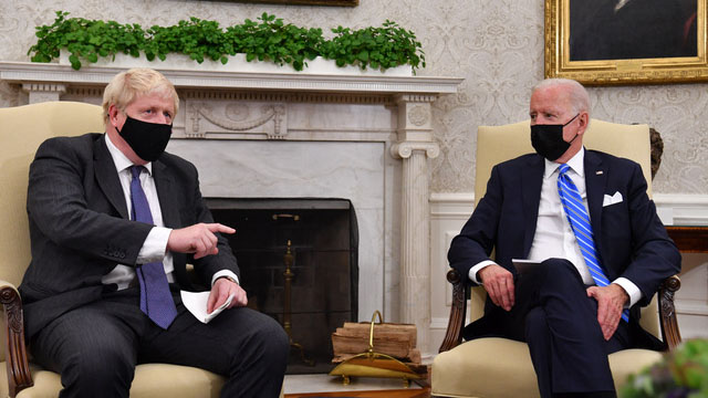"""美英澳组成""""澳英美三方安全伙伴""""AUKUS,英国首相约翰逊说三国关系将更紧密。(法新社)"""
