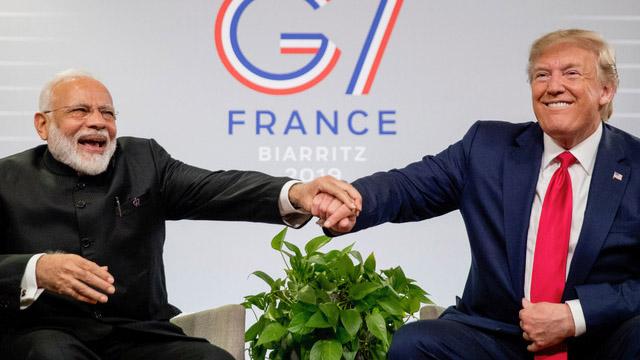 特朗普是否连任,也可能影响莫迪看待印太战略的态度。图为特朗普和莫迪在2019年于法国举行的七国峰会见面。(美联社)