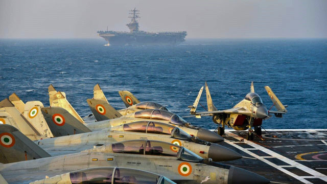 """印度海軍參謀長卡拉姆比爾·辛格說,""""大國競爭正在印度洋地區非常有力地進行,印度海軍加強了在印度洋地區的監視和活動,以制止中國的野心""""。(法新社)"""