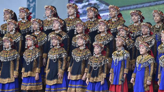 2016年在蔡英文就职典礼上领唱国歌的原住民儿童合唱团,原本预计到广州表演的行程遭到取消。(法新社)