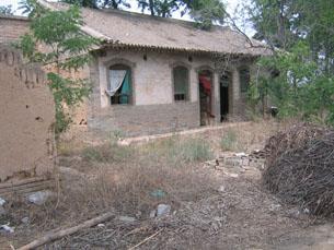 图片:我家破旧的房院(杨雪会提供)