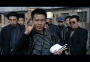 视频截图:《人民监督网》记者朱瑞峰