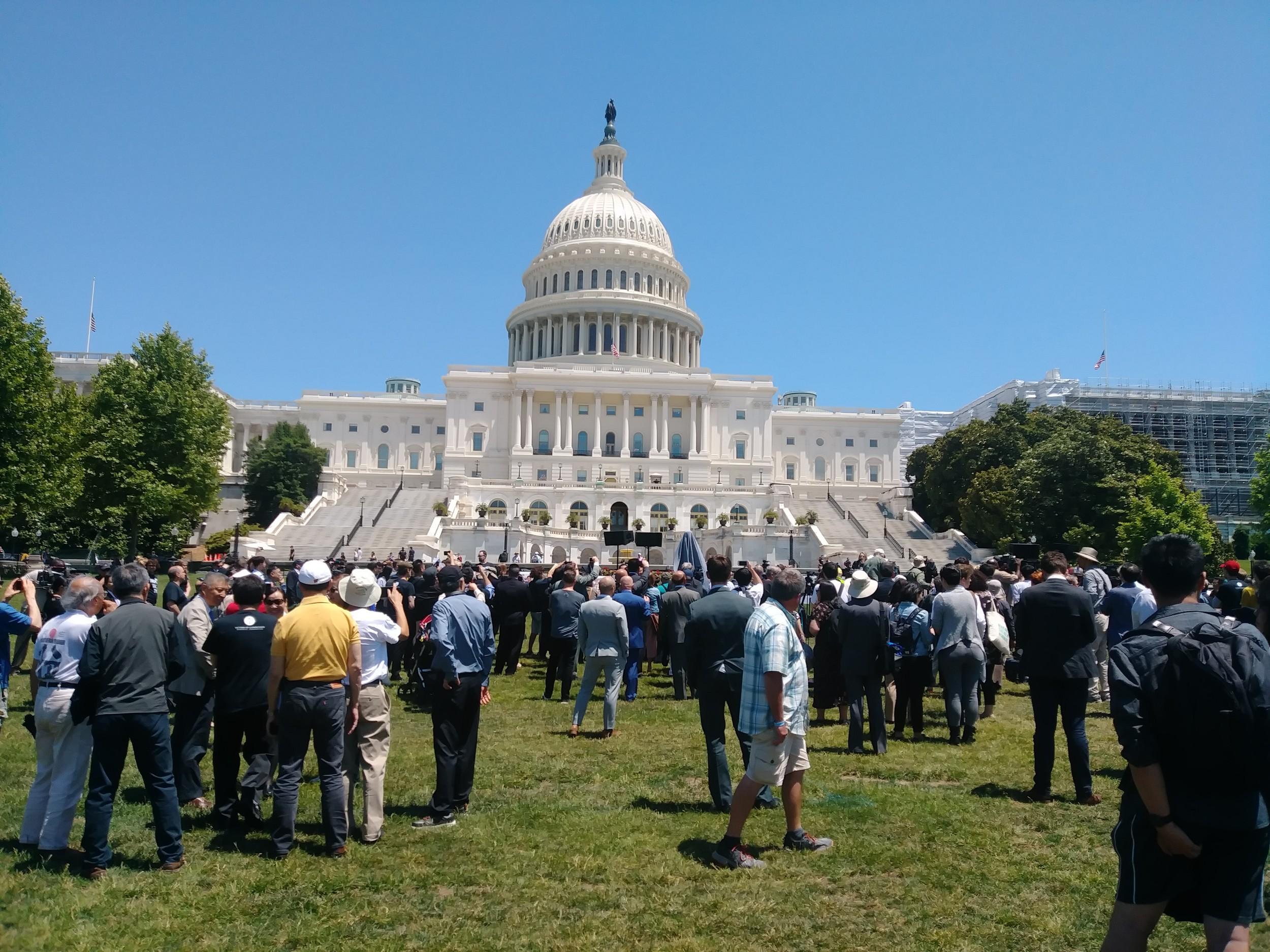 八九六四30周年华盛顿纪念会正面全景。这个活动由中国公民力量最先发起,有众多中美人权团体参加。(北明拍摄)