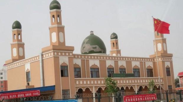专栏 | 解读新疆:警方调查开斋节祈祷的维吾尔人   神职人员被捕仪式无人主持