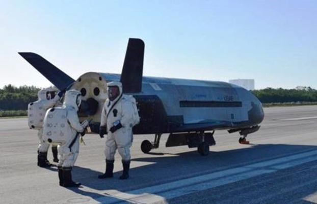 美國2020年底前組建太空軍。圖爲美國空軍測試X-37B軌道試驗飛行器。(U.S. Air Force)