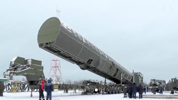 俄罗斯大力发展新型核武。图为萨尔马特(Sarmat)重型洲际弹道导弹。(AP)