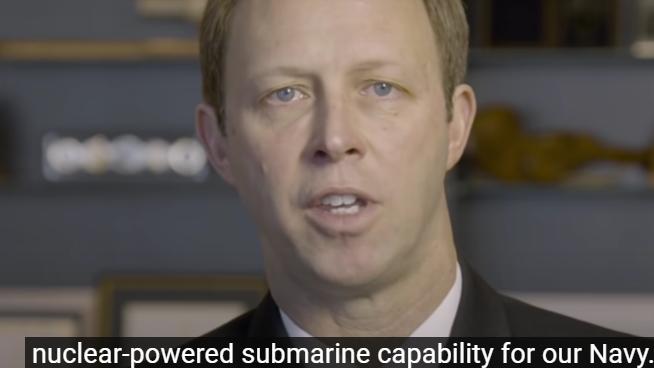 澳大利亚海军司令努南(Mike Noonan)宣布发展核潜艇。(视频截图)