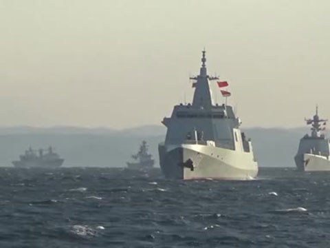 今年10月中下旬,中俄海军联合编队首次到西太平洋联合巡航。