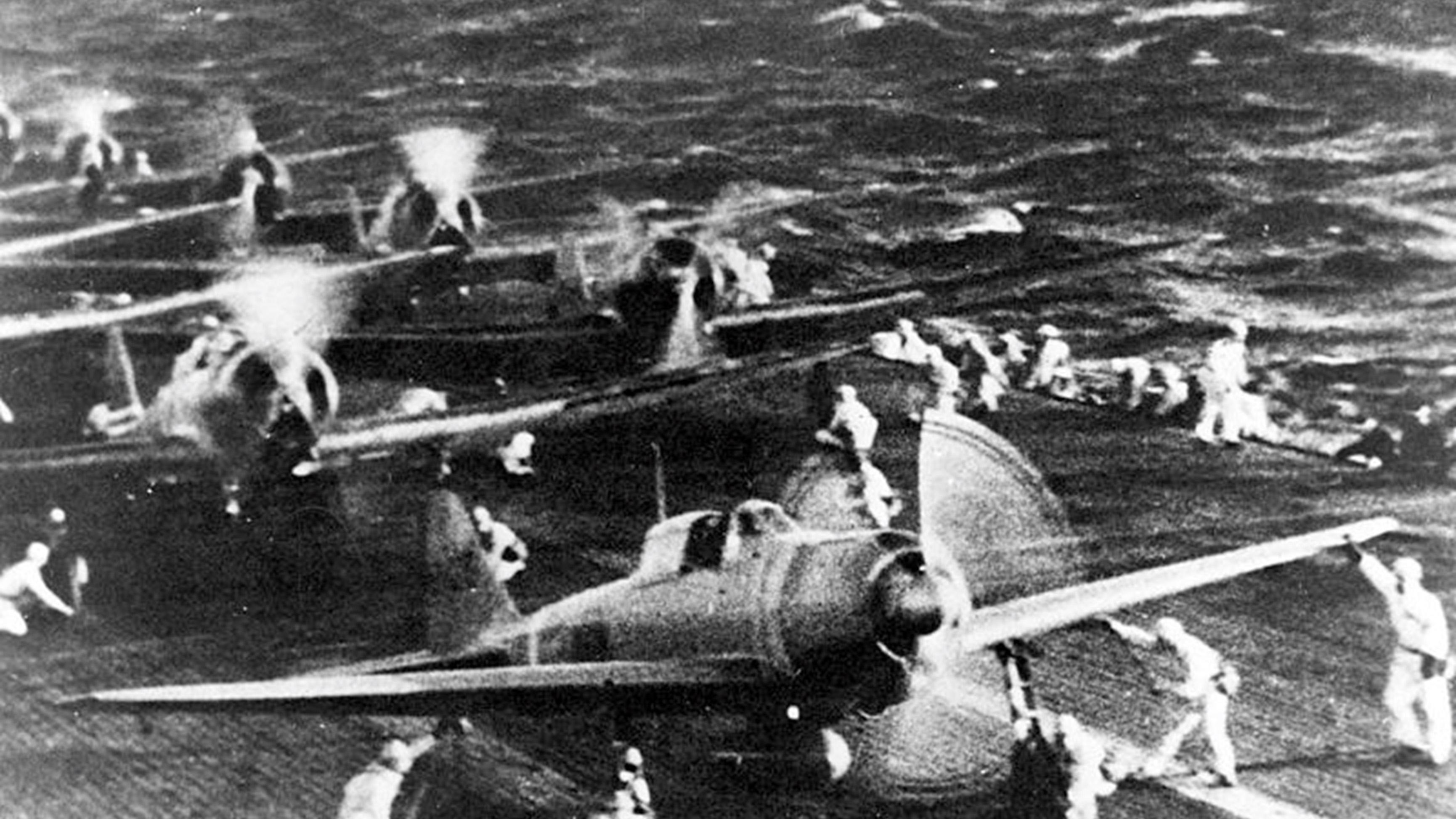 日本帝国海军零式战机从航空母舰甲板起飞,任务是攻击美国舰队,没有思考占领空域。(维基百科)
