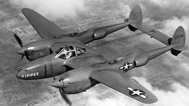 美军P-38战机性能迅速提升后,日军空战优势不再。(维基百科)