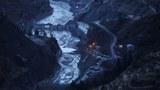 喜馬拉雅山脈冰川斷裂,沖毀印度水電大壩,白色風暴席捲亞洲水塔。