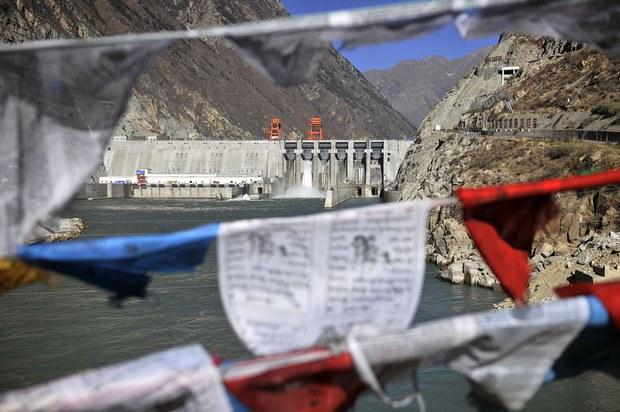 專欄 | 綠色情報員: 青藏高原冰風暴(下) 空污、水壩加熱了冰川