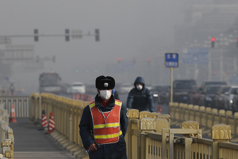 氟氯碳化合物会加重温室效应,也让人类暴露在紫外线辐射的威胁之中。(美联社)