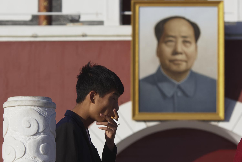 中国每年约有140万人死于吸烟引发的各种疾病,烟害问题不小。(美联社)