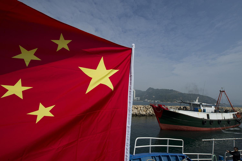 中国拥有全球最大的远洋渔业船队,强迫劳动引来美国出手制裁。(法新社)
