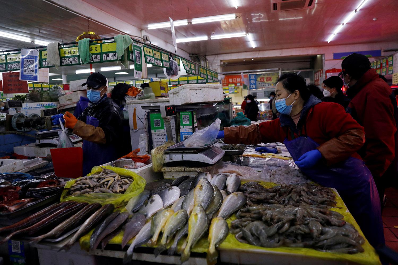 中国的渔业资讯缺乏透明度,消费者要拒绝血汗海鲜、无从判断。(路透社)
