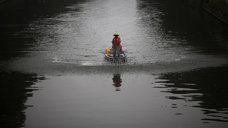 专家认为,中国的环境立法和水治理缺乏民众参与和监督,成效大打折扣。(路透社)