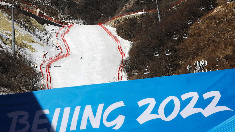 北京冬奥刺激滑雪行业发展,滑雪场如雨后春笋般崛起。(路透社)