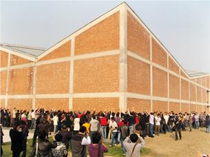 圖片:艾未未在上海郊區建的藝術工作室(又稱紅房子)被強拆之前 (葉海燕提供)