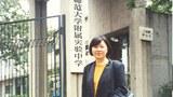 从美国返回母校做文革受难者调查的王友琴博士(王友琴提供)