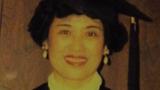 郦曼茵1995年59岁在美国获硕士学位(本人提供)