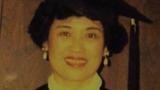 郦曼茵女士1995年59岁在美国获硕士学位(本人提供)