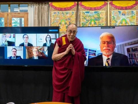 美国西藏问题特别协调员通过网络视讯会见达赖喇嘛