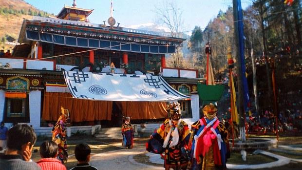 专栏 | 西藏纵览:洛萨期间拉萨等地寺庙关闭禁止聚会