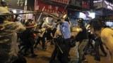 香港抗议民众和警方对峙。(美联社)
