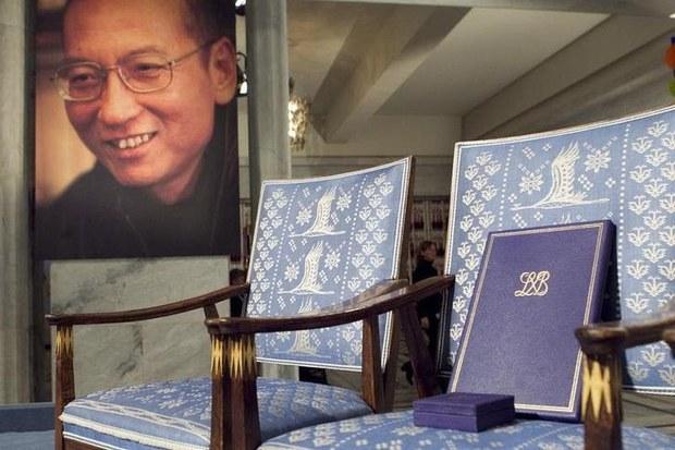 专栏   有问有答:刘晓波获诺贝尔和平奖,让空椅子成为反抗集权的象征