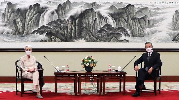 专栏 | 中国透视:各说各话:美中天津会谈述评